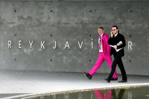 jon-gnarr-pink-suit-mayor-of-reykjavik-iceland