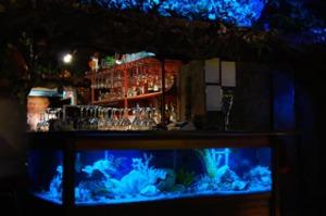 grotta bar